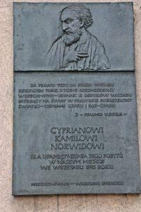 Tablica upamiętniająca pobyt Cypriana Kamila Norwida