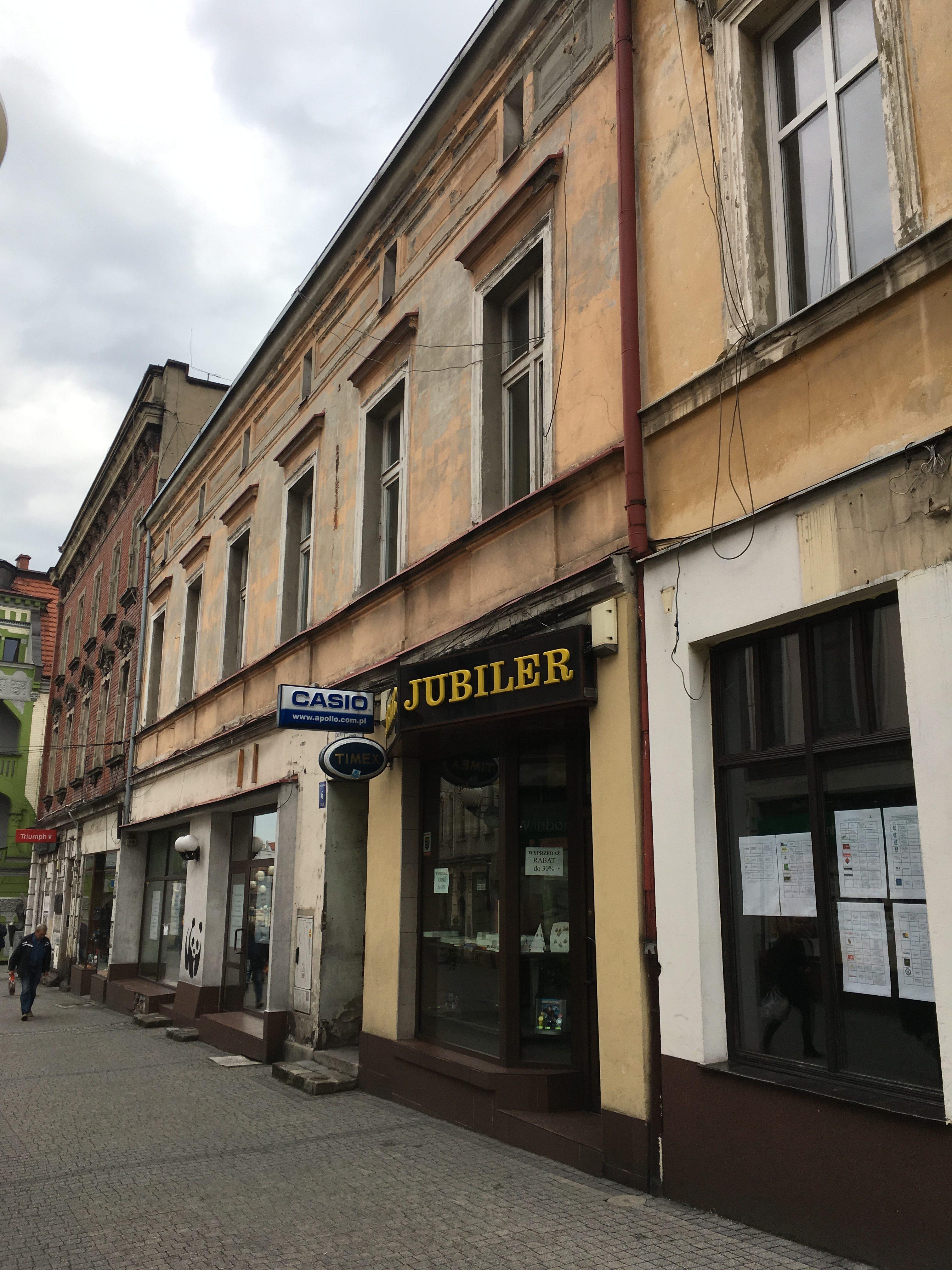 Przebudowa zdegradowanego obszaru Centrum Gminy Mikołów -budynek przy ul. Jana Pawła II 6