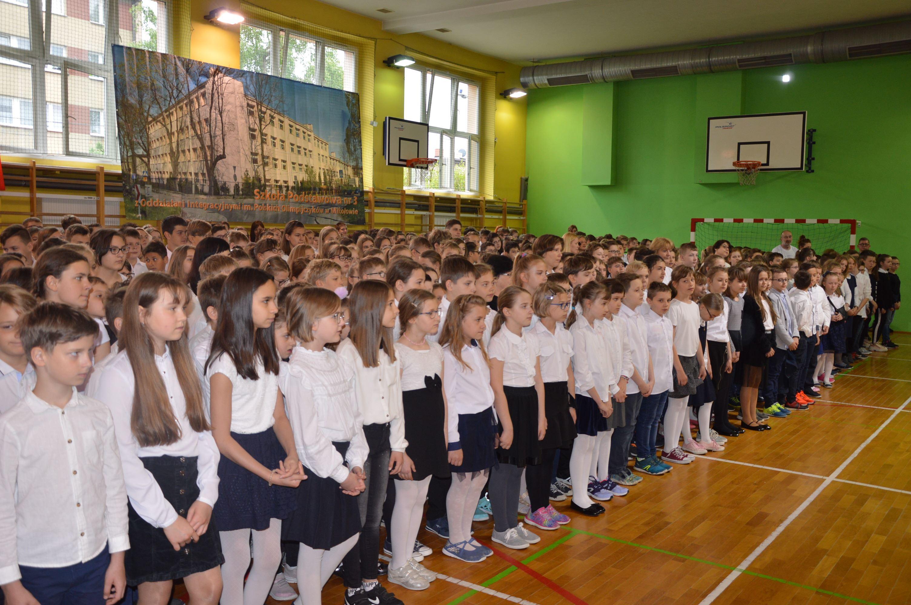 """Ogólnopolski konkurs """"Do Hymnu"""" w Szkole Podstawowej nr 3"""