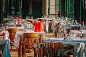 Zwrot i zwolnienie z opłaty na sprzedaż napojów alkoholowych